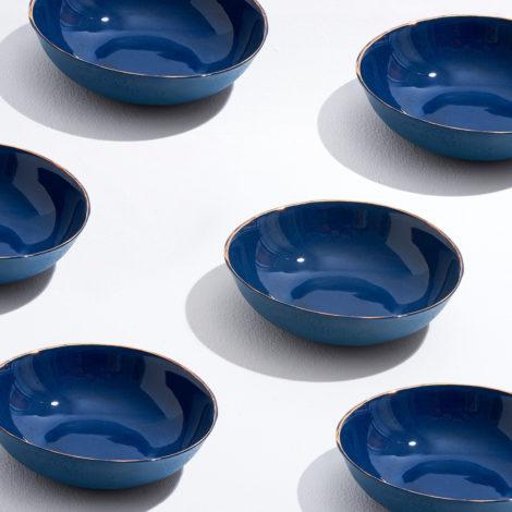 detteglio-tavola-piattofondo-ricciocaprese-design-produzioneartigianale-capri2